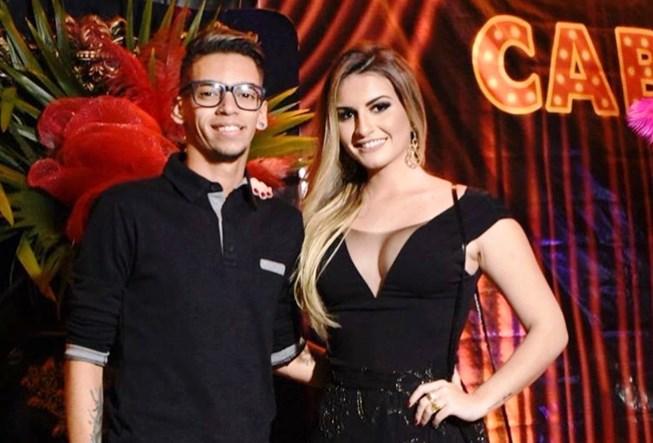 Namorada do cantor Devinho Novaes estará em Livramento no dia 16 de setembro