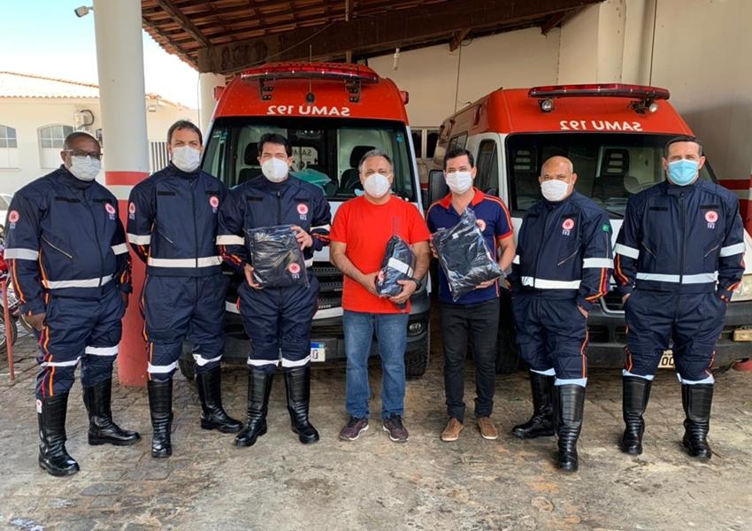 Profissionais do SAMU 192 de Livramento ganham novos uniformes