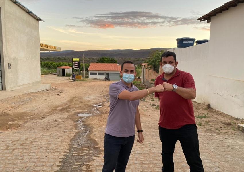 Phellipe Brito anuncia pavimentação Asfáltica em Povoados de Ituaçu