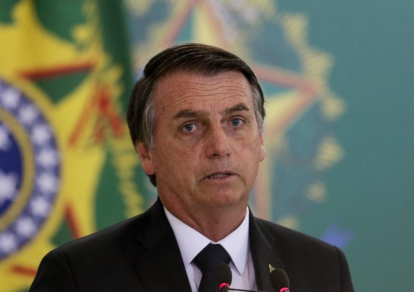Bolsonaro assina decreto sobre posse de armas nesta terça-feira