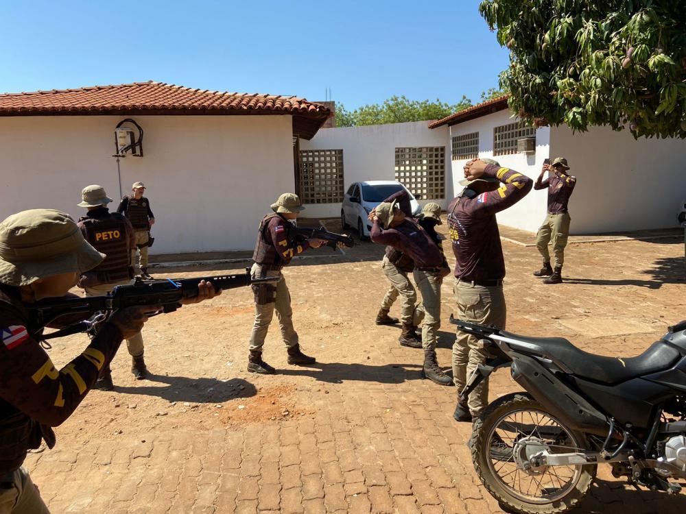 Guarnição PETO da 46ª CIPM participa de curso de Instrução Básica de Abordagem Policial
