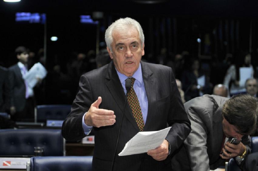 Otto afirma que votará a favor do afastamento de Aécio, mas pede que Senado adie decisão