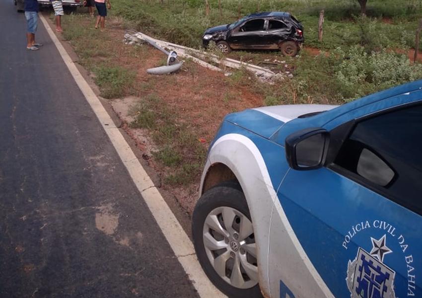 Motorista perde direção e capota veículo em Bom Basílio