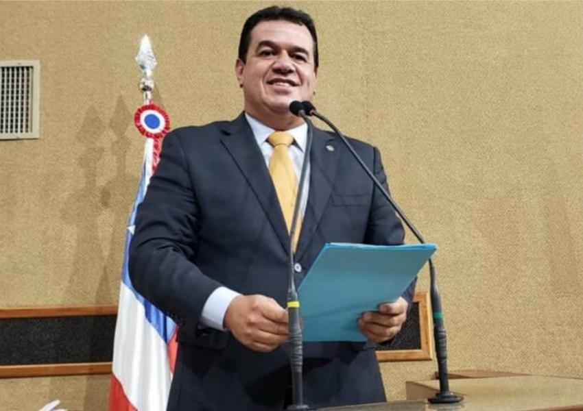 Deputado Marquinho Viana protesta contra a PEC que pretende extinguir municípios baianos