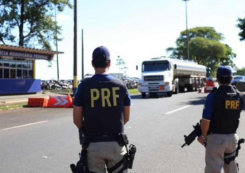 Número de mortes nas estradas federais que cortam a Bahia reduz 60%, diz PRF
