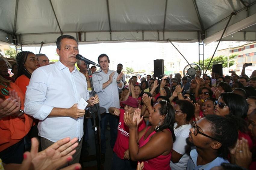 Rui denuncia boicote da TV Bahia em anúncio de obras e sugere