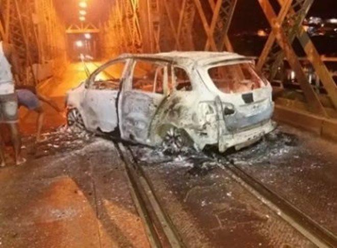 Cachoeira: Grupo ataca agências e incendeia veículo em ponte e na BR-101