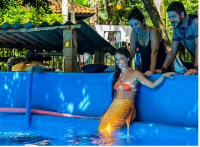 Para nova novela da Globo, Isis Valverde grava cenas de sereia com cauda de 23 Kg
