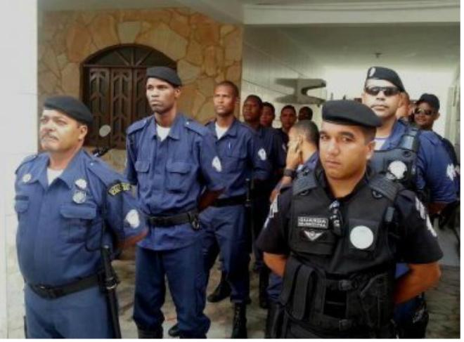 Lauro: Decreto proíbe uso de arma pessoal pela Guarda Municipal
