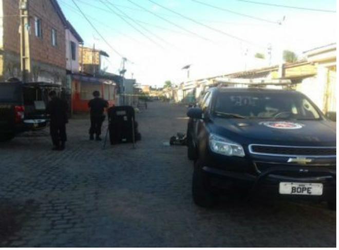 Maragogipe: Granada é achada em rua após briga entre facções
