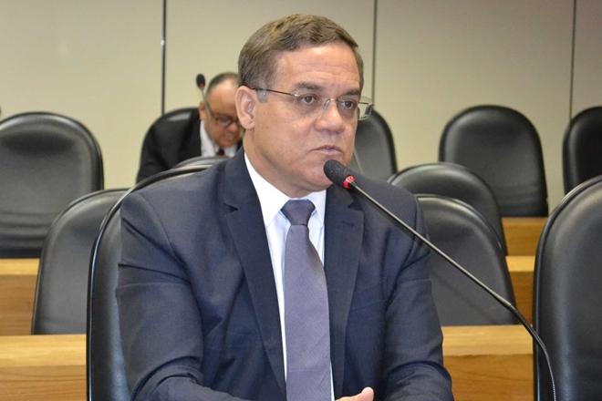Deputado Luciano Ribeiro (DEM) clama por debates mais maduros, com mais seriedade