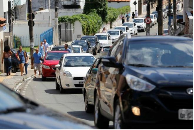 Recadastramento de veículos com placas de final 3 começa nesta quarta-feira (1º)