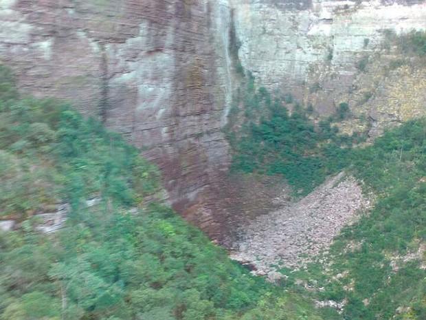 Turista francês cai da Cachoeira da Fumaça e morre na Bahia