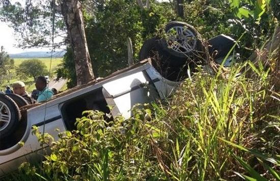 Três morrem e quatro ficam feridos após carro capotar em Amargosa