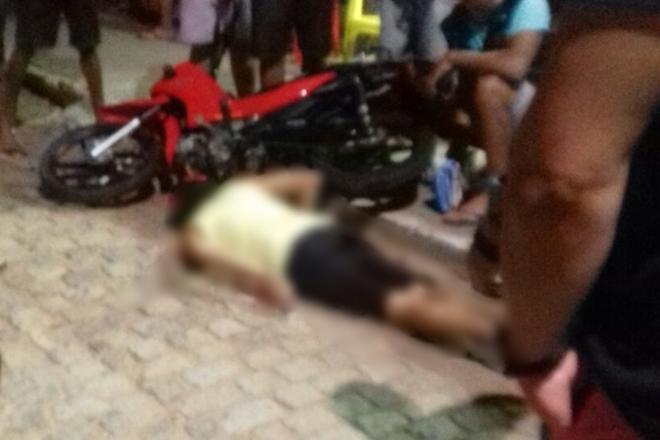 Homem fica ferido após acidente de moto em Livramento de Nossa Senhora