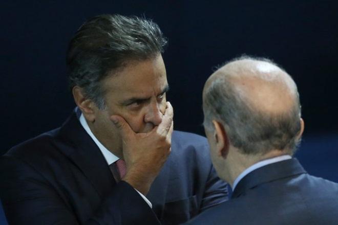 Aécio Neves é denunciado no STF por corrupção passiva e obstrução de Justiça