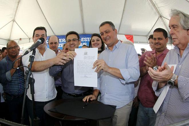Governador Rui Costa assina a adesão do município de Rio de Contas ao Programa Garantia Safra 2017 / 2018