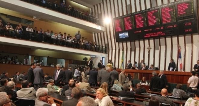 Assembleia Legislativa vai antecipar salário de servidores em junho