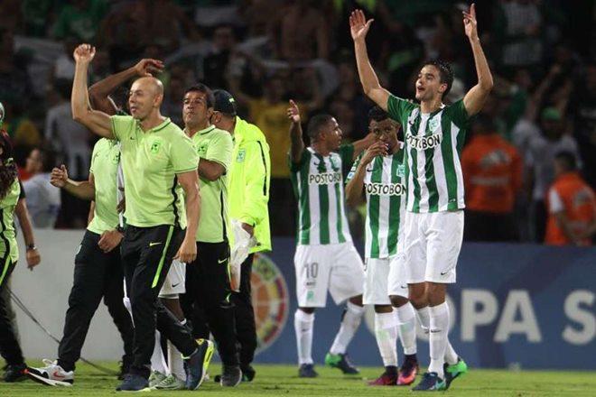 Atlético Nacional empata com Cerro e pega Chape na final
