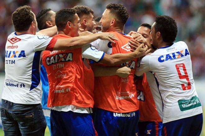 Bahia perde de virada para o Atlético-GO, mas garante acesso à Série A