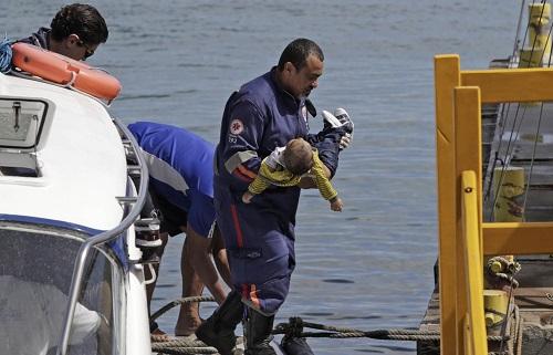 Sobe o número de mortos em naufrágio na travessia Salvador-Mar Grande