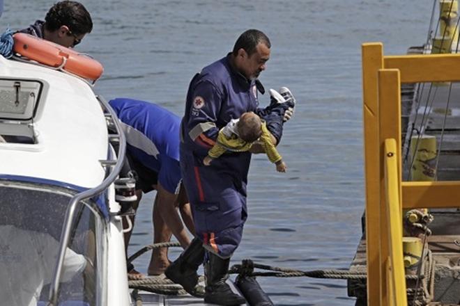 Bebê morto em naufrágio viajava para consulta médica em Salvador