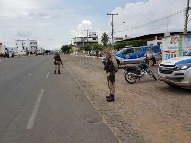 Polícia Militar intensifica blitz para evitar crimes e assaltos em toda região