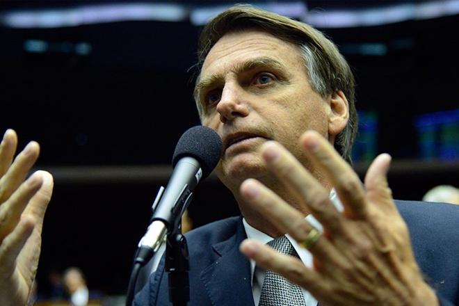 MPF entra com ação contra Bolsonaro por ofensas a negros e quilombolas