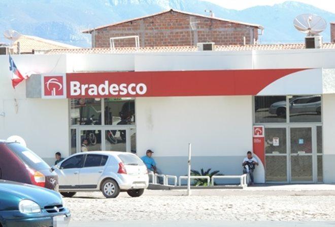 Bradesco deverá fechar agências, anuncia presidente do banco
