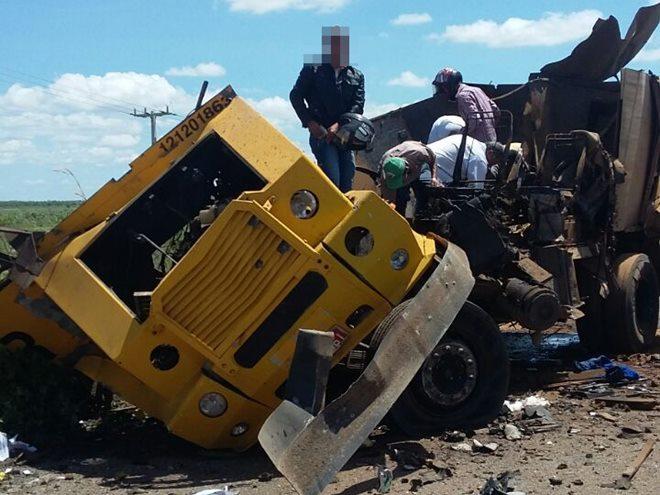 Quadrilha explode carro-forte em Iuiu e leva dinheiro