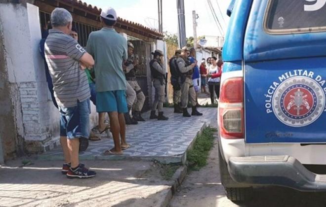 Casal é assassinado dentro de casa em Feira de Santana