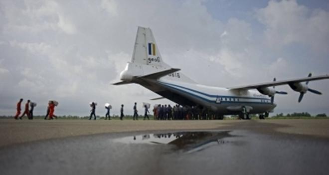 Destroços de avião que desapareceu com 116 pessoas são encontrados no mar