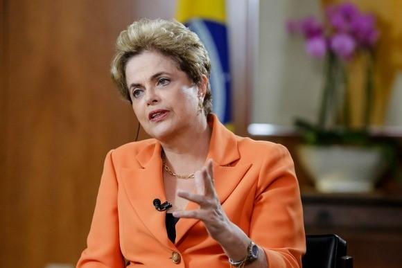 """Dilma se pronuncia por meio de nota e diz que Odebrecht """"faltou com a verdade"""""""