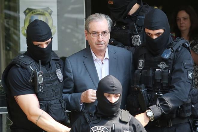 Sérgio Moro condena Eduardo Cunha a 15 anos e 4 meses de prisão, por corrupção