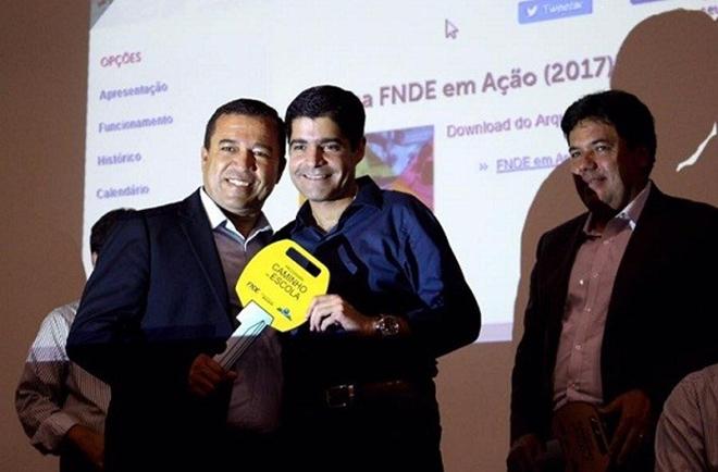 Ministro da Educação e ACM Neto participam de evento sobre educação em Vitória da Conquista