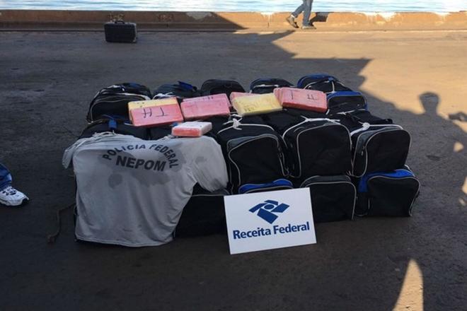 Bolsas com 560 kg de cocaína são apreendidas no Porto de Salvador