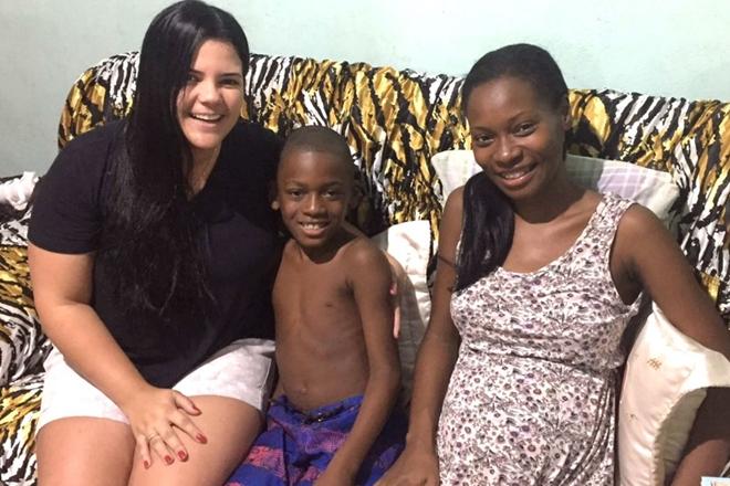 Mulher de 29 anos engravida de forma natural de quadrigêmeos em Feira de Santana