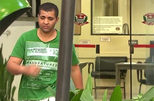 Solto após ejacular em mulher no ônibus, homem repete ato e é preso novamente