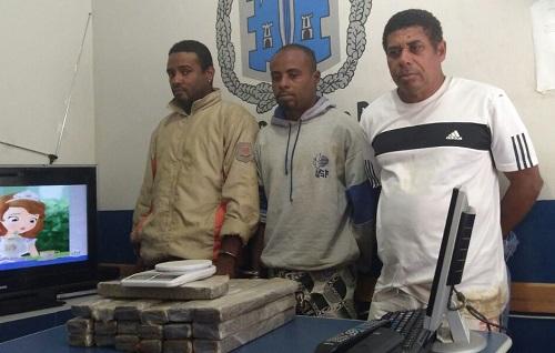 Três homens são presos com 20 tabletes de maconha em Camamu