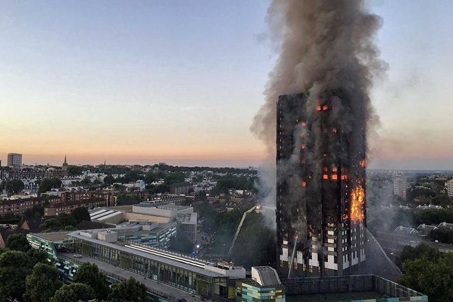 Mundo: Sobe para 30 o número de mortos no incêndio que destruiu prédio em Londres