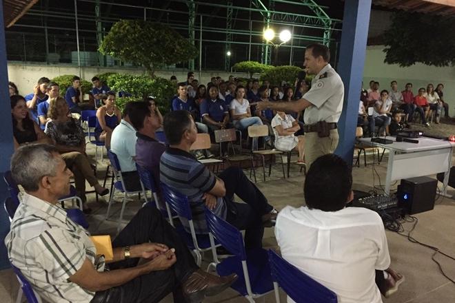 Irlando Oliveira ministra palestra do PROAPEC em Caraíbas de Paramirim