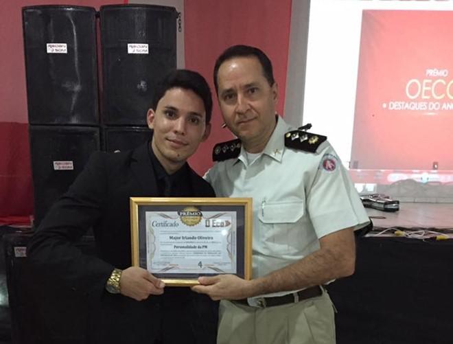 Em evento realizado em Paramirim, Major Irlando Oliveira é premiado como Destaque do Ano