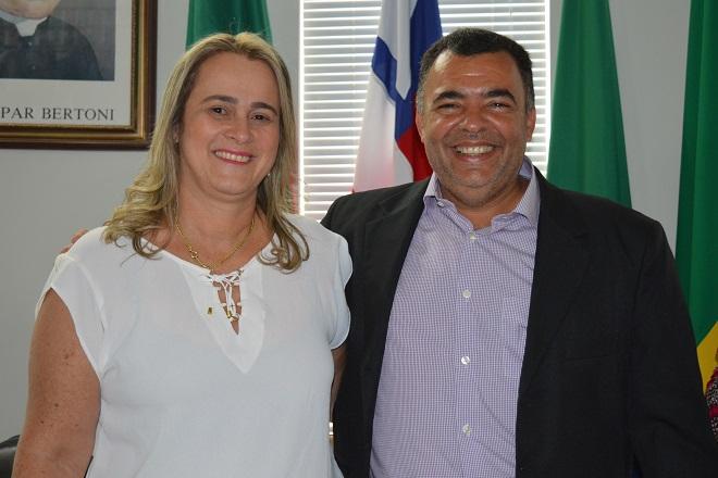 Mensagem de Natal do prefeito eleito Ricardo Ribeiro e vice-prefeita Joanina Sampaio