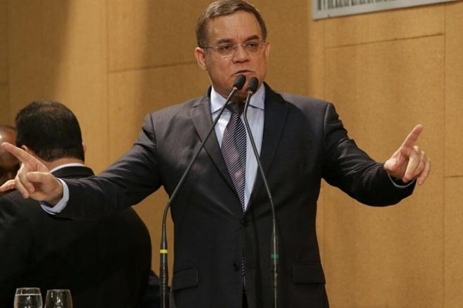 Deputado Luciano Ribeiro fala sobre a completa falência do Estado em diversas áreas
