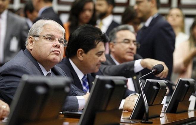 Quatro deputados baianos declaram apoio à proposta da reforma da Previdência, diz site