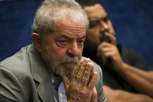 Ex-presidente Lula é condenado a 9 anos e 6 meses na Lava Jato, no caso do triplex