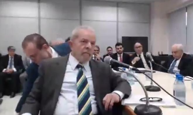 Estou sendo julgado por Power Point mentiroso, diz Lula a Moro durante depoimento