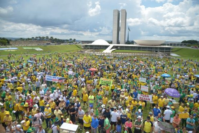 Protesto em defesa da Lava Jato reúne manifestantes em 200 cidades do Brasil