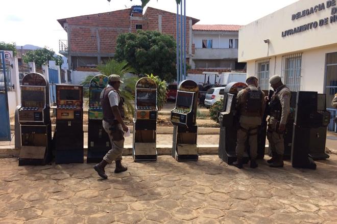 Polícia Militar apreende máquinas caça-niqueis em Livramento de Nossa Senhora