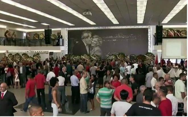 Velório de Marisa Letícia é encerrado com discurso de Lula e corpo é cremado